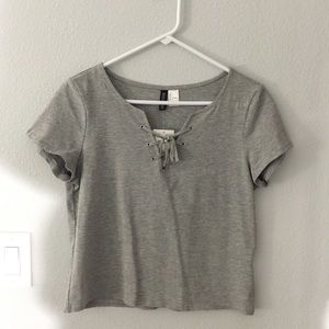 Cropped Lace up t-shirt